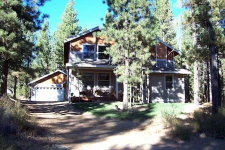 Queen+1 @ Ponderosa Forest Retreat! - Haus