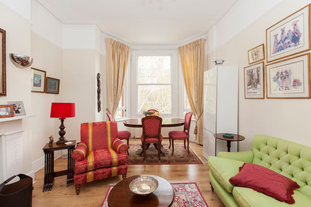 PASSING THROUGH LONDON-Double  Room