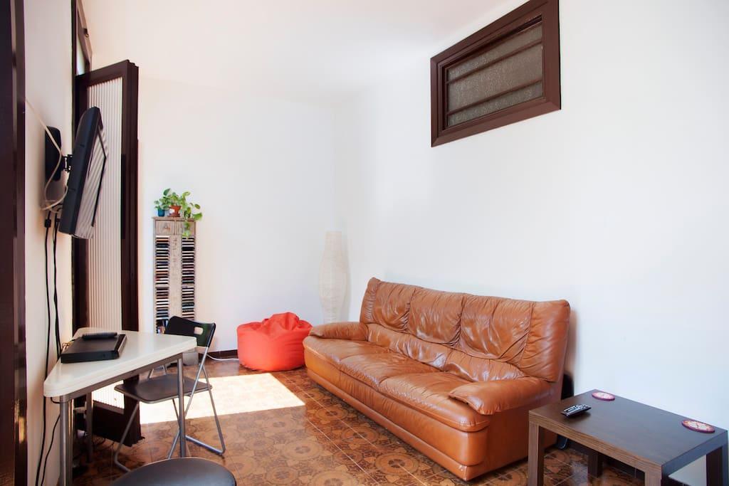 Cozy room at Barcelona´s center!