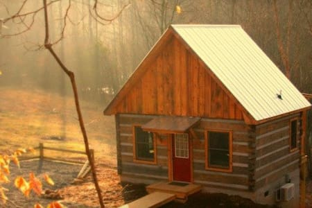 Deer Run:  Waterfront Log Cabin