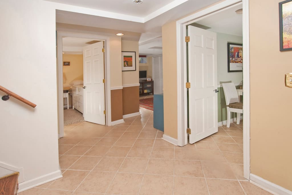 Ceramic tile floors throughout keep the entire guest apartment dust- and allergen-free.