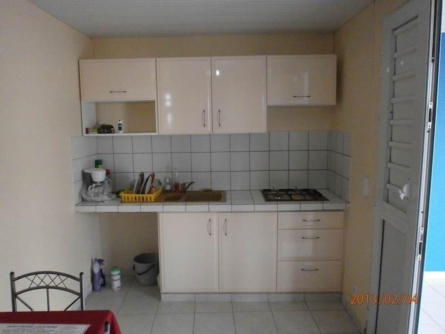 Salle à manger / cuisine 3