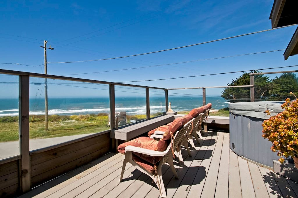 ocean front deck and hot tub