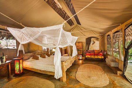 Tiwi Honeymoon Tent - Tiwi - Telt