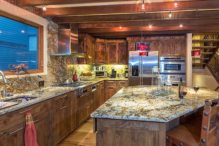 Telluride Lodge 505 - One of the best on the west side of Telluride!  Sleeps: 6 Bedrooms: 2 Bedrooms + Sleeping Den Bathrooms: 2.5 Pets: No Smoking: No