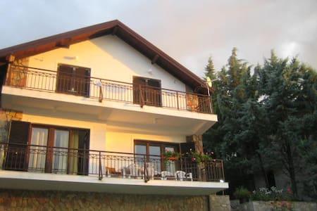 """The Lavender House""- lake views - Ohrid"