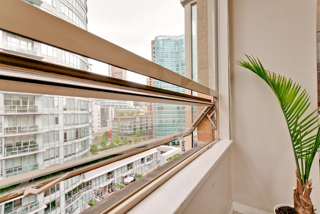 Best located room in Vancouver DT
