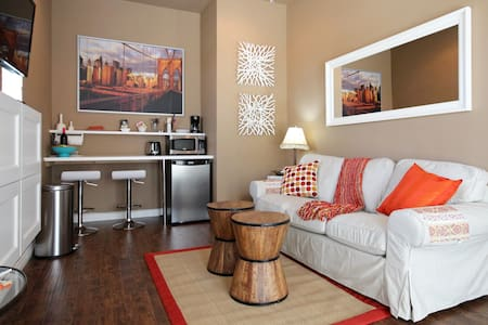 Private Entry, Bedroom & Living Rm - Chula Vista - Rumah