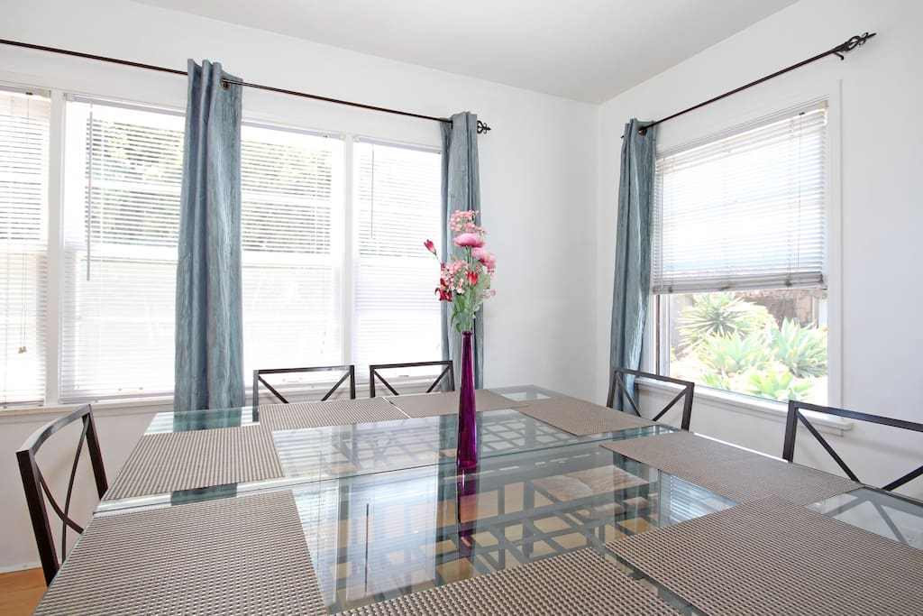 Private, quiet, near Gaslamp 2BR