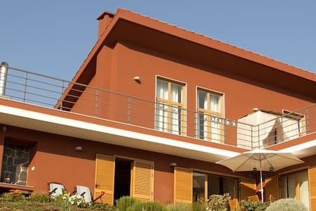 Villa w/ pool at Coimbras village - Dom