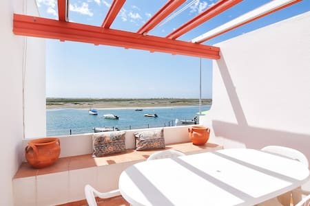 Apartment in front of Ria Formosa