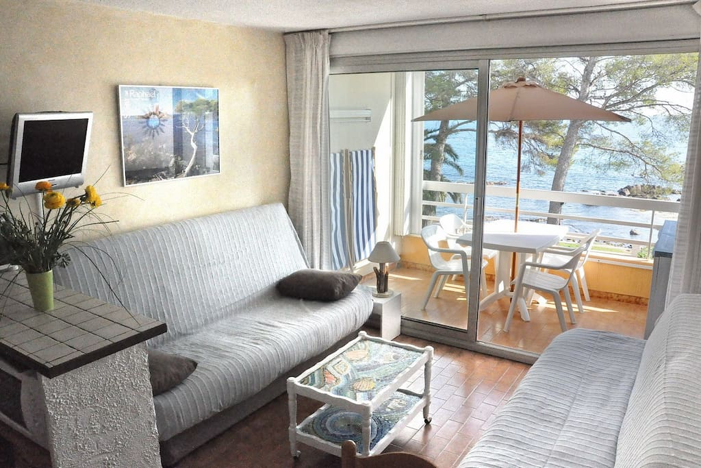 Main room with sea view