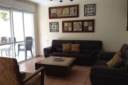 Large furnished home Malibu, Modiin - Ház