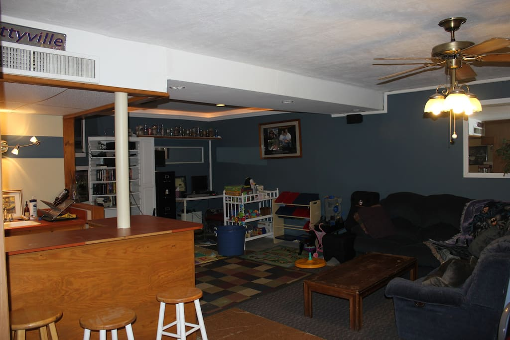 Another shot of the living room and the 2 couches you can use.
