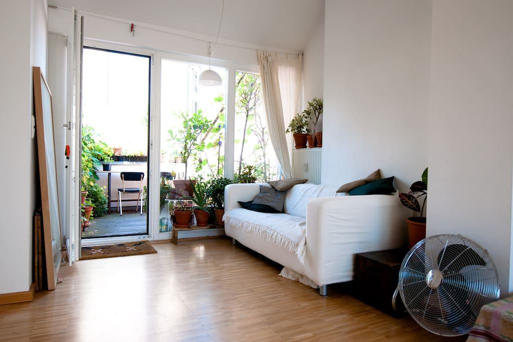 Mitte Miniloft apartment w. terrace