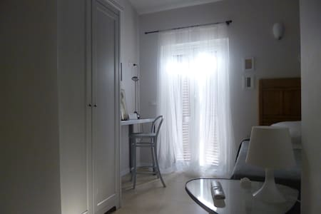 B&B Dimora Sabatini-single room - Bed & Breakfast