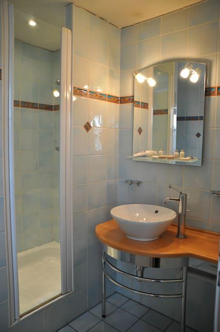 Votre salle de bain privée avec WC