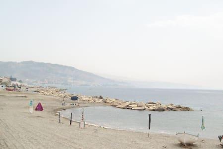 Gallico M.(RC) Appart.arredat, clim - Gallico Marina - Leilighet