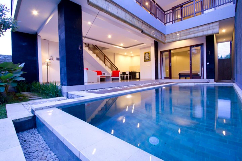 3 BR villa 500m from Echo Beach