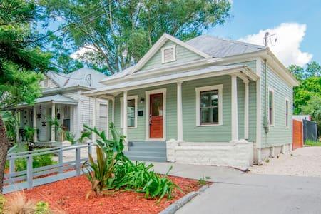 Quiet Ybor City House - Tampa - Hus