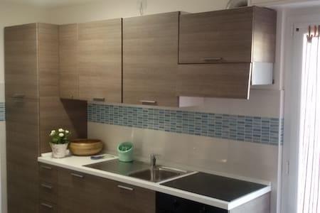 Appartamento appena ristrutturato a 200mt dal mare - Finale Ligure - Apartment