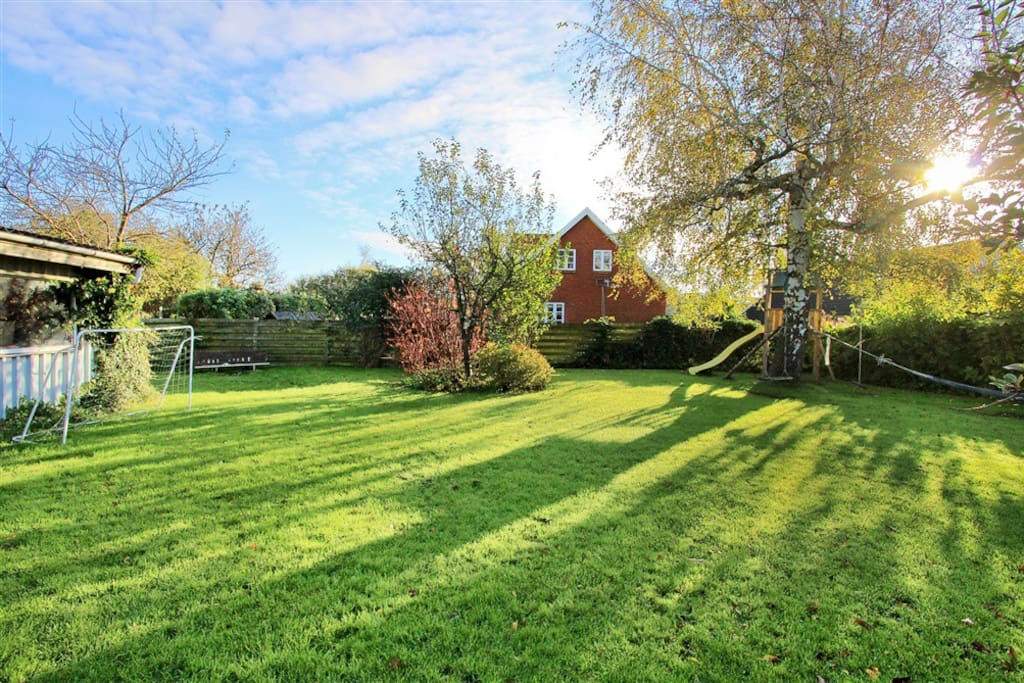 Big family house, with nice garden