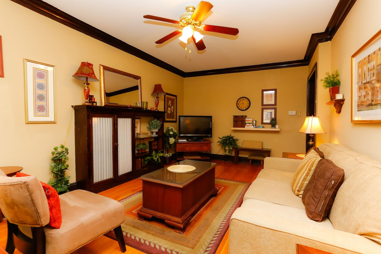 beautifully furnished 3 bed/1bath 1