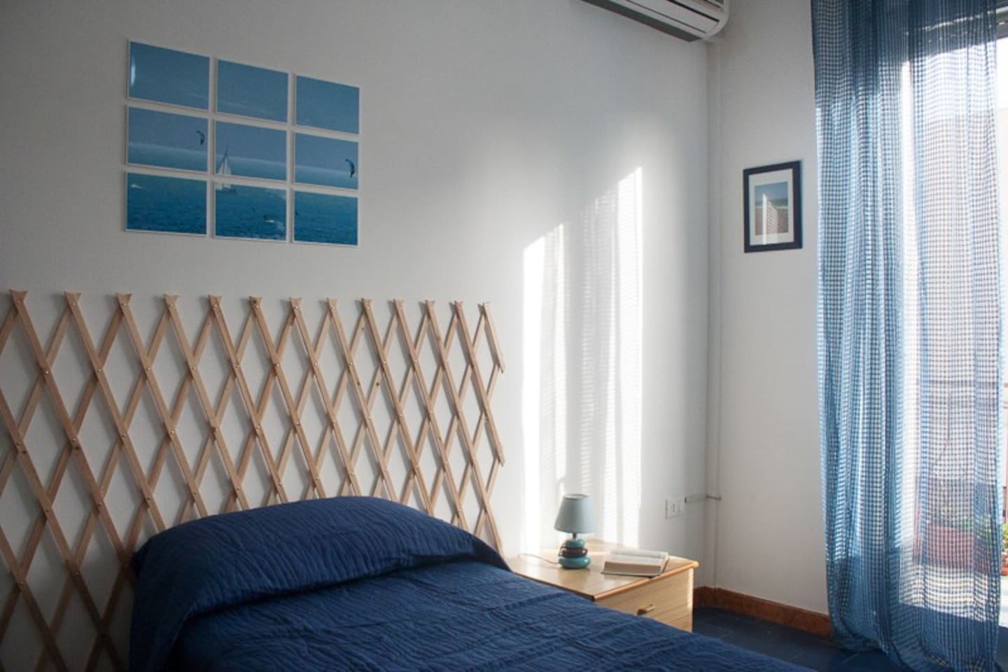 SURF! the blue room, with balcony, air-conditioner and free WiFi