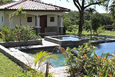 BOQUETE CASITA-FREE SHUTTLE (DAV) - Haus