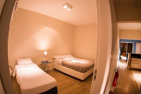 Hello Hostel - Quarto triplo - Pelotas - Other