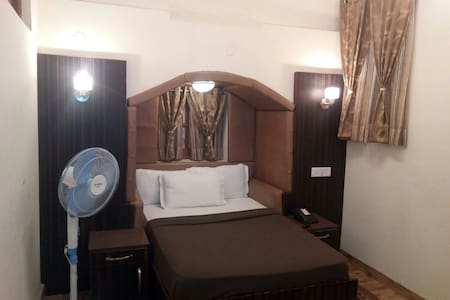 Family Suite (2bedrooms +breakfast) - Shimla - Bungalow