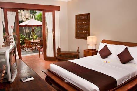 Sindhu Mertha Guest House - Denpasar  - Bed & Breakfast