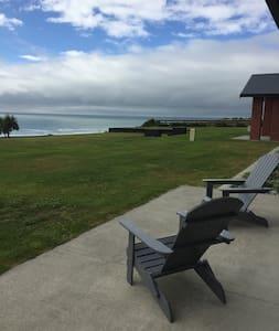 Luxury overlooking the Tasman - Greymouth - Casa