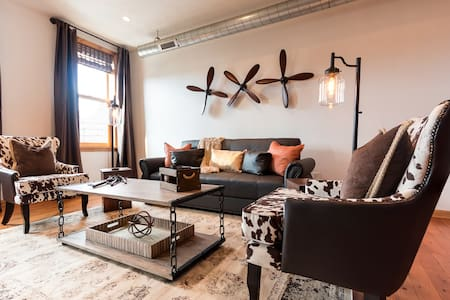 Lawrenceville Loft w/Great Roof Top Deck - Pittsburgh