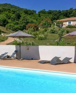Well-equipped villa w/swimming pool - Vila