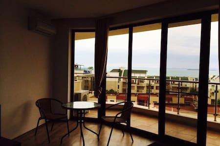 Квартира(Люкс) с видом на море и горы !!! - Apartment