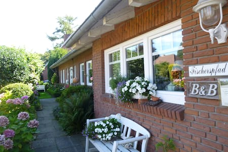 Charmantes Bed & Breakfast  - Norden - Pousada