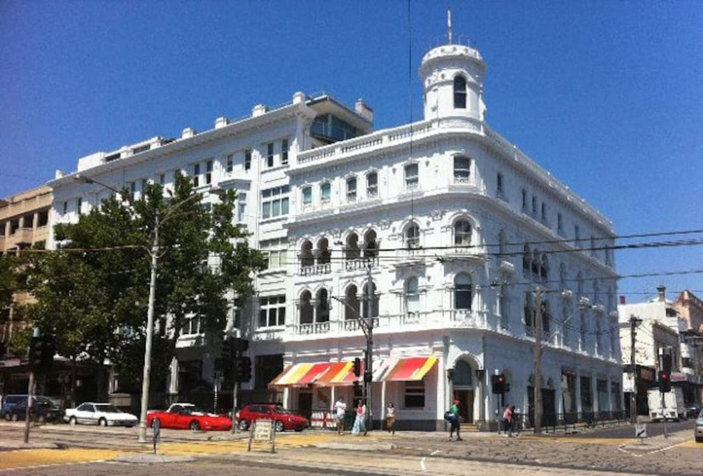 Luxury St Kilda Studio Apartment at the iconic George Hotel