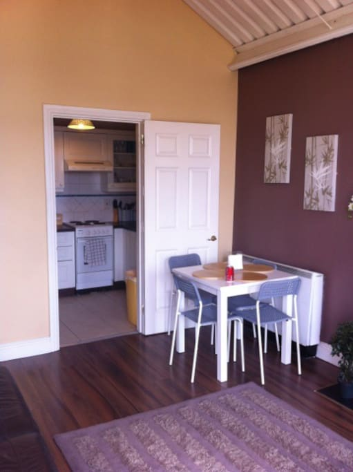 Open plan living room / dining room