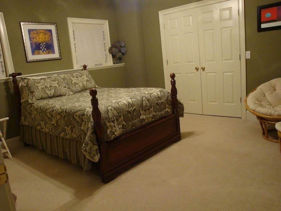 Spacious 2nd Bedroom, Double bed