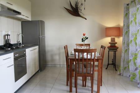 Cozy & Romantic apartment for 3