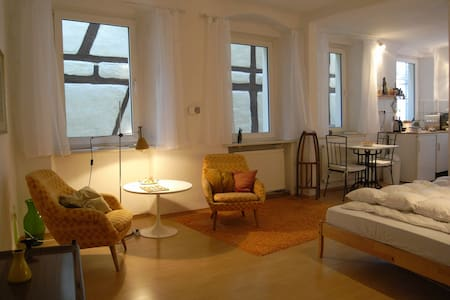 ☼ Stylish Apartment in Old Building - Huoneisto