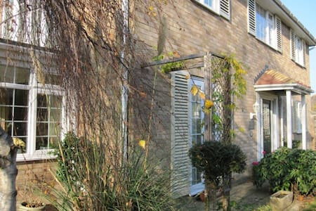 Blandford House - Twin Room - Worthing - Bed & Breakfast