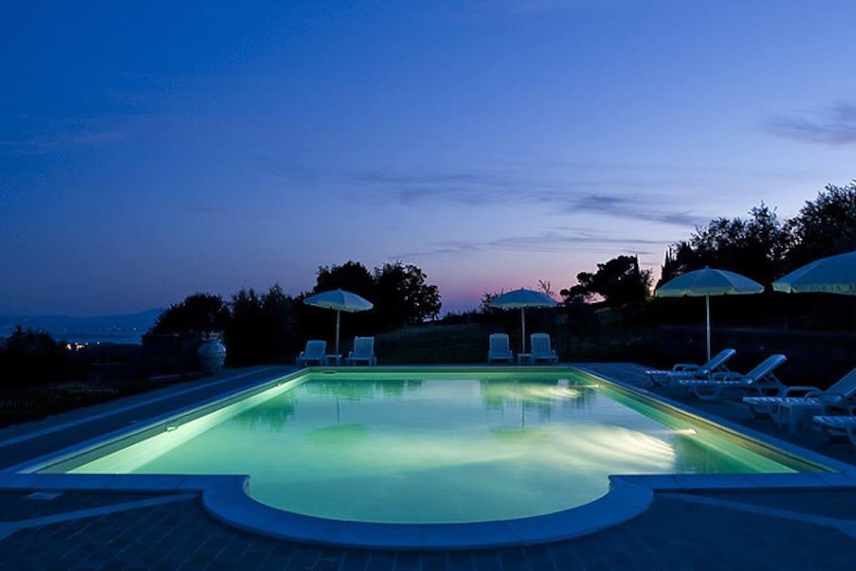 Vacation homes on Trasimeno Lake