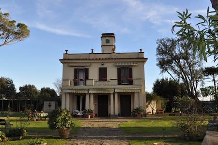 Villa a Tarquinia inizi '900 - Tarquinia