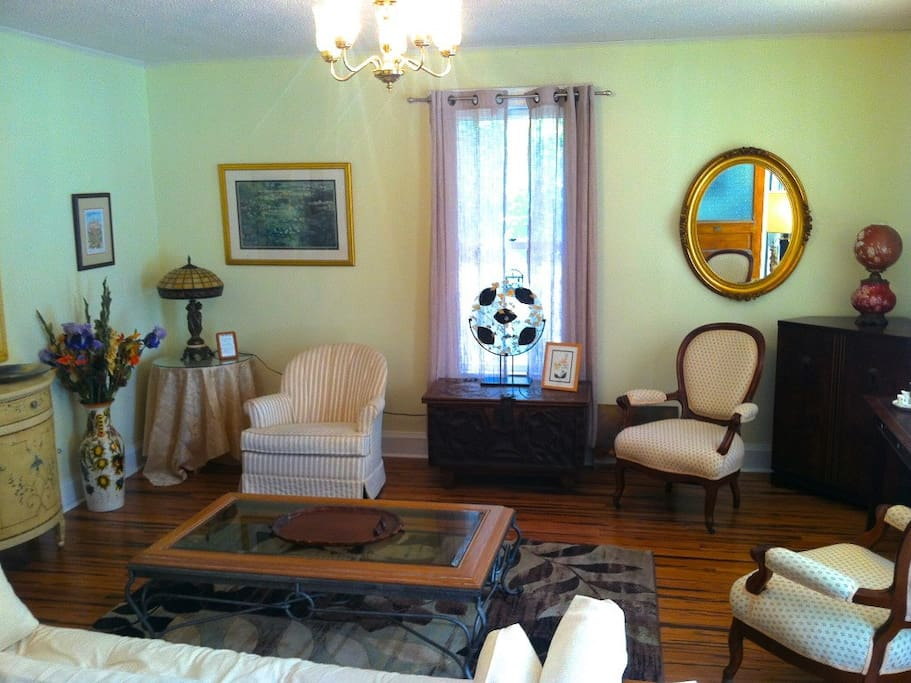 Downtown Fairhope Vacation Cottage