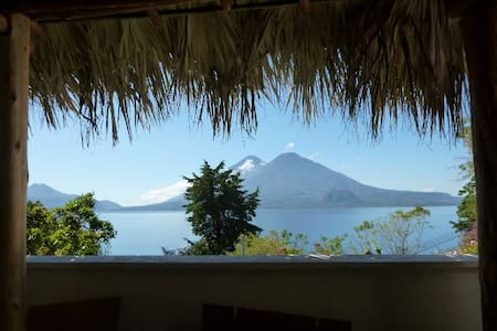 Apartment on Lake Atitlan 1.5 miles to Panajachel - Panajachel - Daire