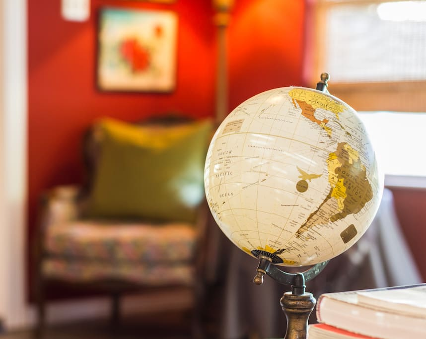 Globe so that you can dream about and plan your next travels !
