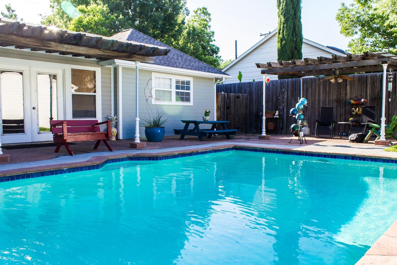Pool House !