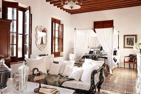 "Finca Belon, the ""Luxury of Quiet"" - Bed & Breakfast"
